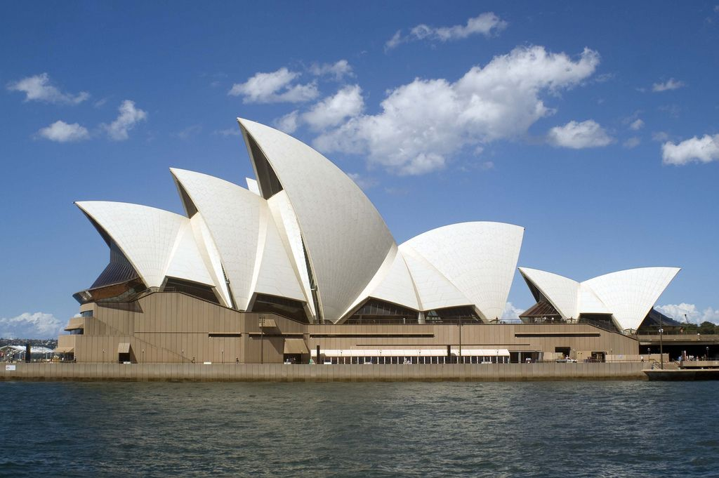 Postmodern Architecture Homes the sydney opera house was designedthe danish architect jorn