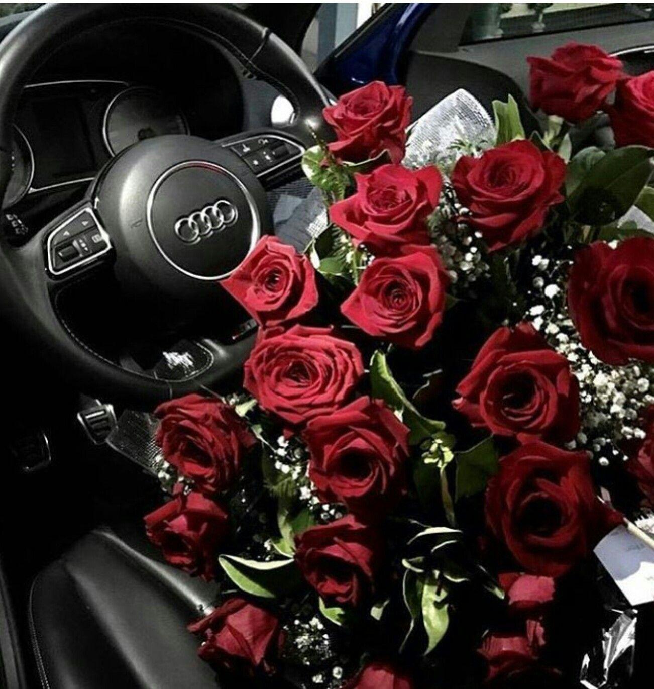 Фото цветы внутри машины