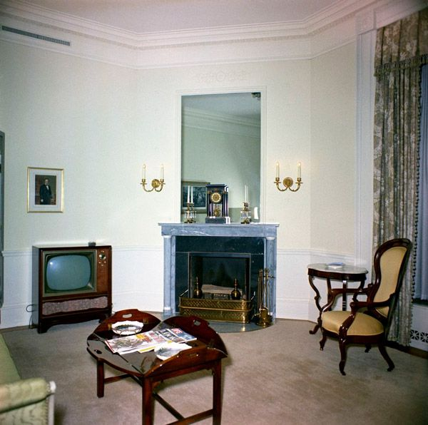 Lincoln Sitting Room White House Museum Sitting Room Decor Sitting Room Design White House Rooms