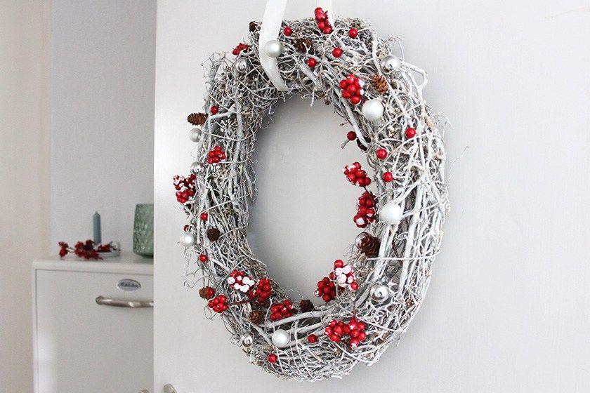 Hereinspaziert winterlicher t rkranz weihnachtsdeko pinterest kranz t rkranz und - Treppenaufgang dekorieren ...