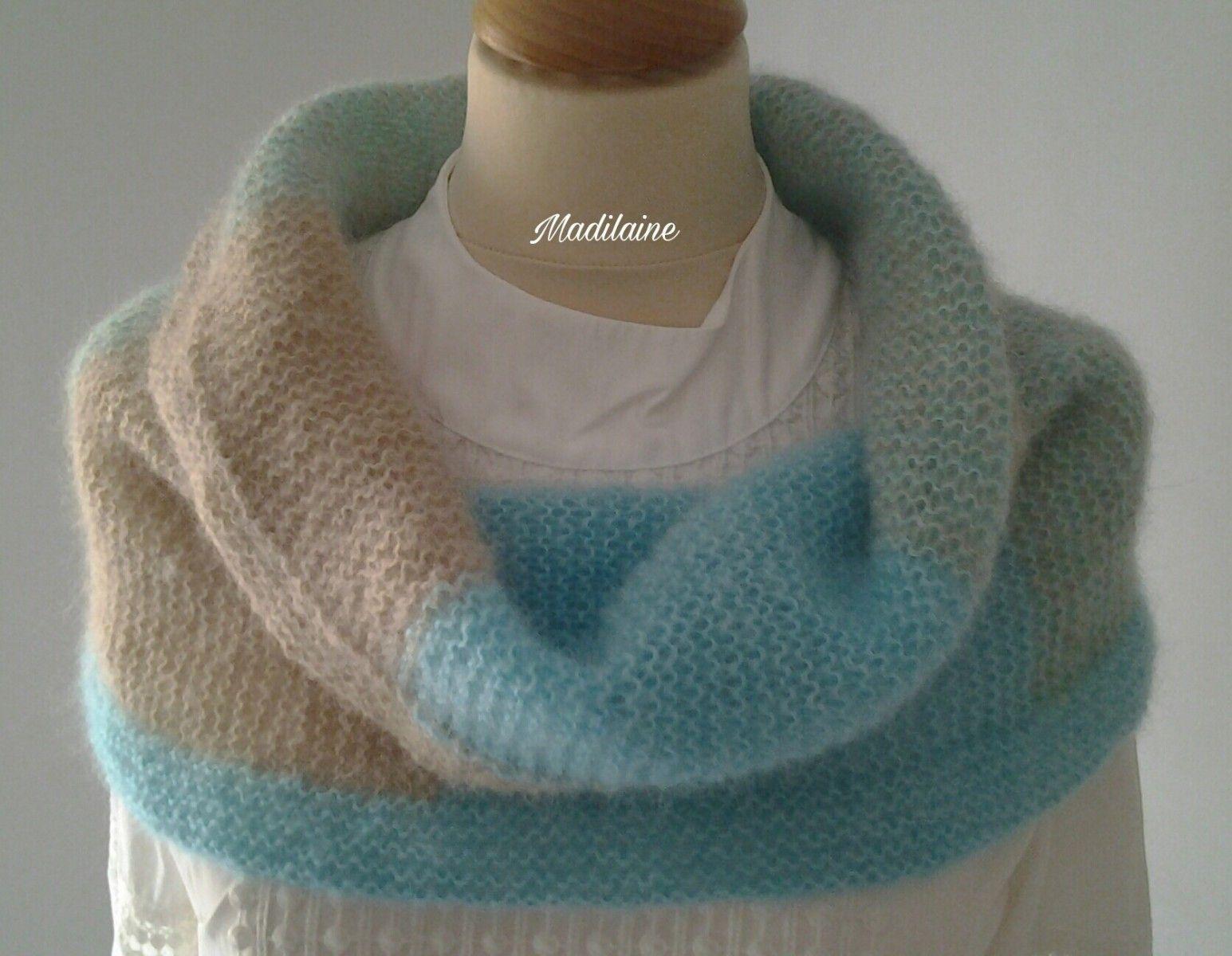 Grand snood ou petit chauffe épaules tricoté main en laine cachemire et soie 355eaa8ef03