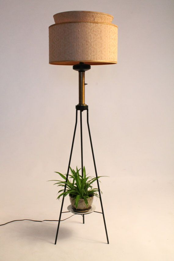55 In Tall 1950 Tripod Eclectic Floor Lamp Mid Century Vintage Era Eclectic Floor Lamps Tripod Floor Lamps Lamp