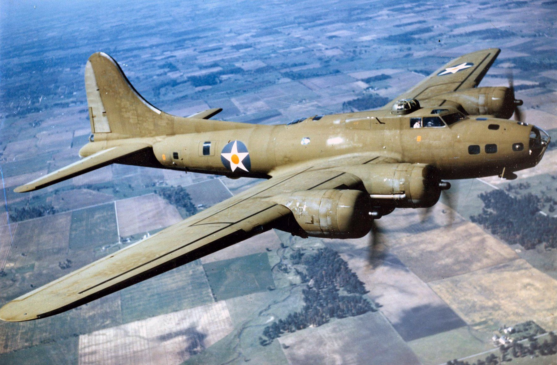 B-17 Flying Fortress – Top Facts About the WWII American Bomber ...