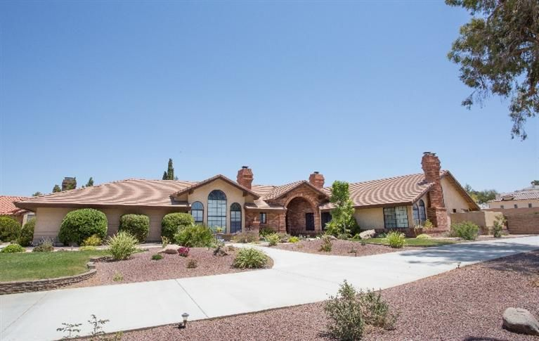 10 Luxury Apple Valley Homes For Sale Ideas Apple Valley Luxury Homes House Search