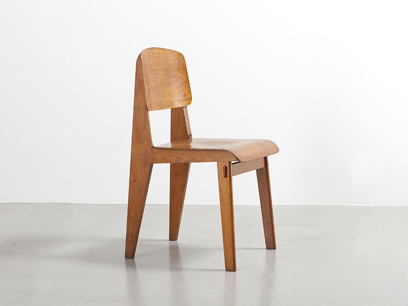 Light tout bois chair by jean prouv galerie patrick for Chaise jean prouve