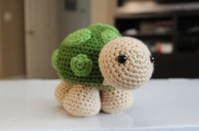 "Free Crochet Pattern – ""Sheldon"" the TURTLE 