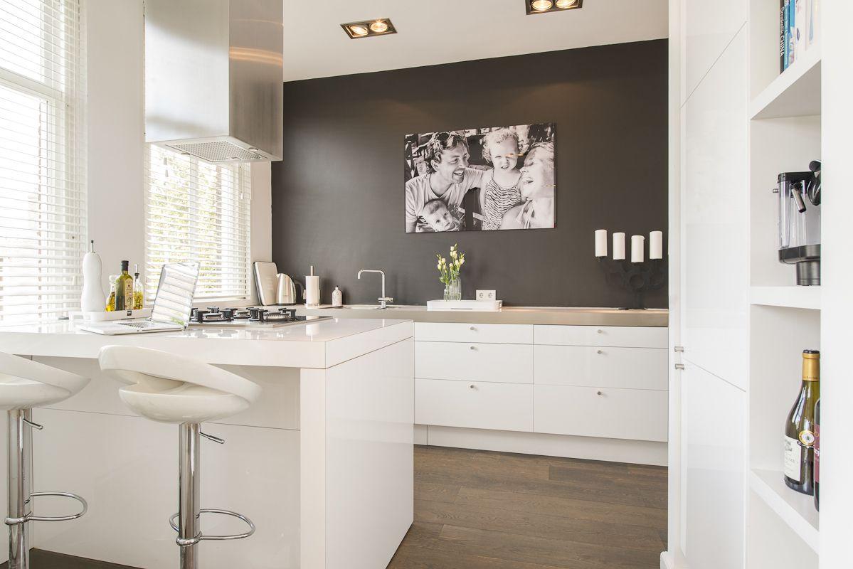 Keuken Wit Blad : Wit Grijze Keukens op Pinterest Witte Hoogglans Keuken, Keuken