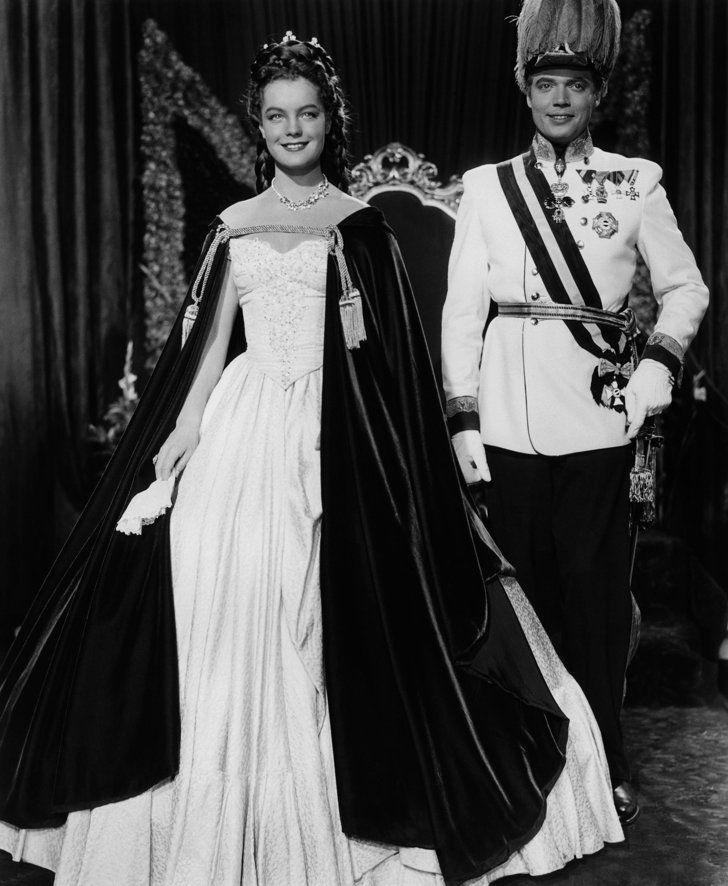 Pin for Later: Die 45 schönsten Hochzeitskleider aus Film und Fernsehen Sissi