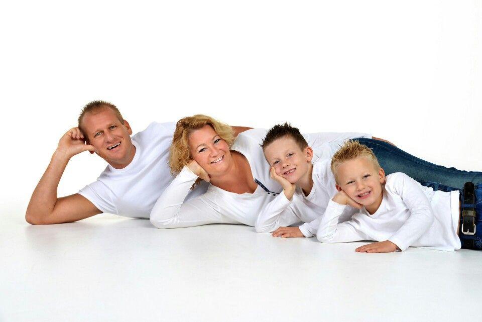 pingl par andy tong sur family photo pinterest familles famille nombreuse et en famille. Black Bedroom Furniture Sets. Home Design Ideas