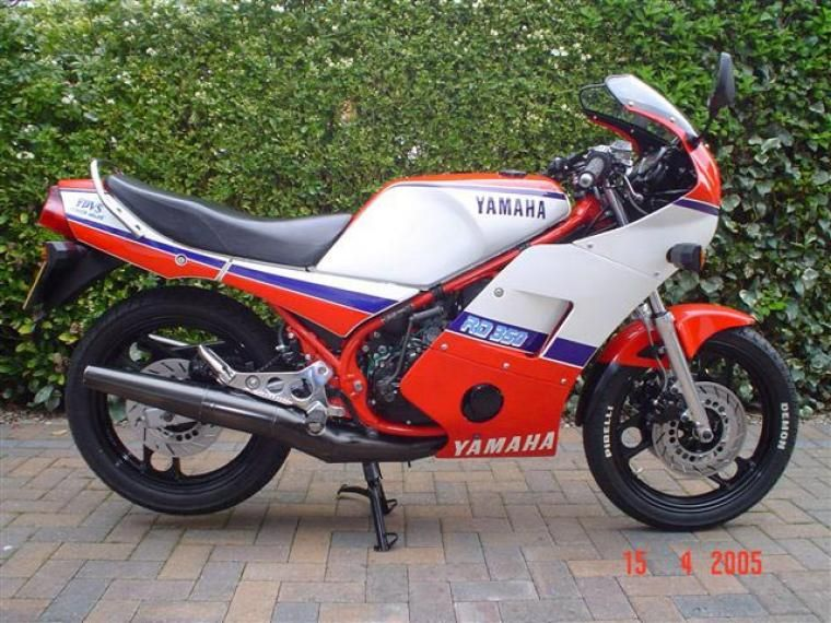 Yamaha Rd350 F1 Ypvs Classic Motorcycle Pictures Classic Motorcycles Motorcycle Pictures Motorcycle