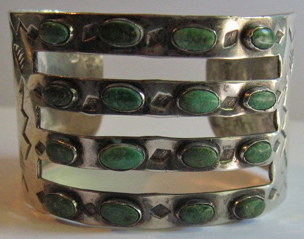 WIDE VINTAGE NAVAJO INDIAN FRED HARVEY STERLING CERRILLOS TURQUOISE BRACELET