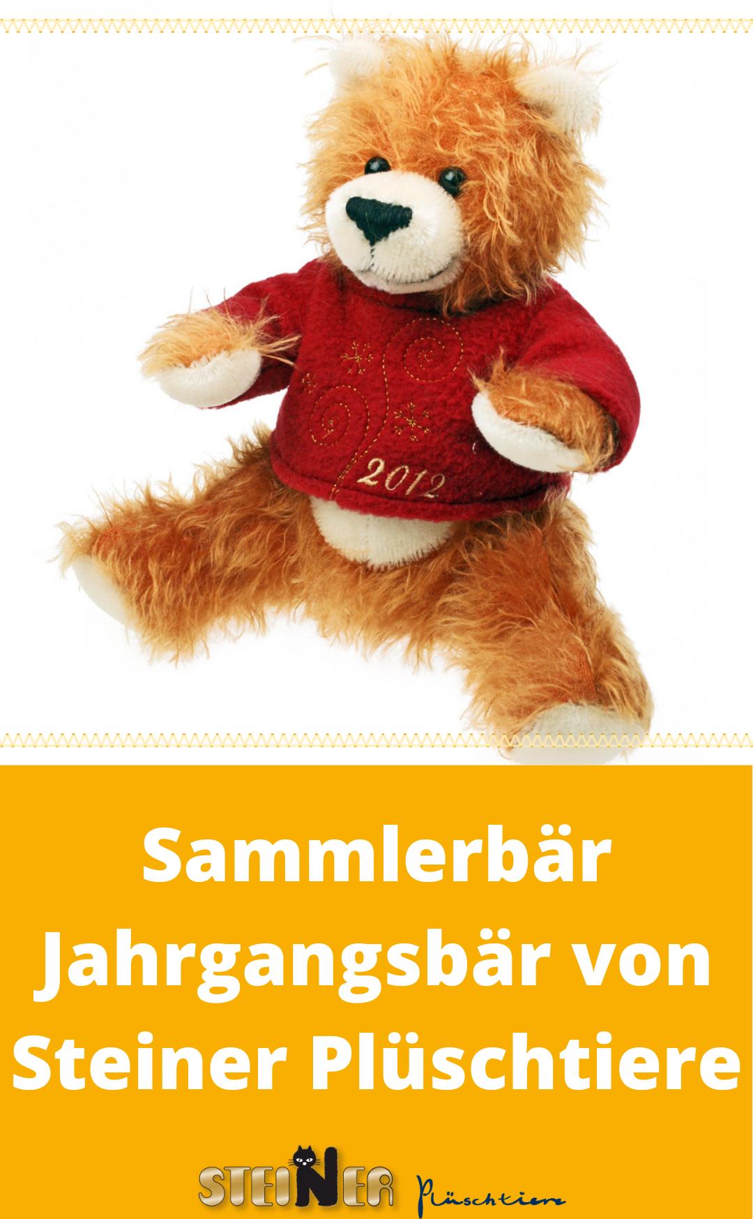 Unser limitierter Jahrgangsbär 2012 mit Schlenkerbeinen. Mit seinem roten Pulli, der ebenfalls bestickt ist, ist er ein echter Hingucker und definitiv nicht zu übersehen. Schon von weitem wird man durch sein niedliches Erscheinungsbild auf ihn aufmerksam. Einfach ein wunderschöner, in liebevoller Handarbeit gefertigter, Sammlerbär aus 100% Mohair. Da der Bär keine Gelenke hat, ist er auch für Kinder geeignet. #sammlerbär #teddybär #bär