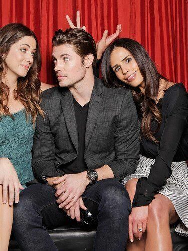 Julie Gonzalo And Josh Henderson