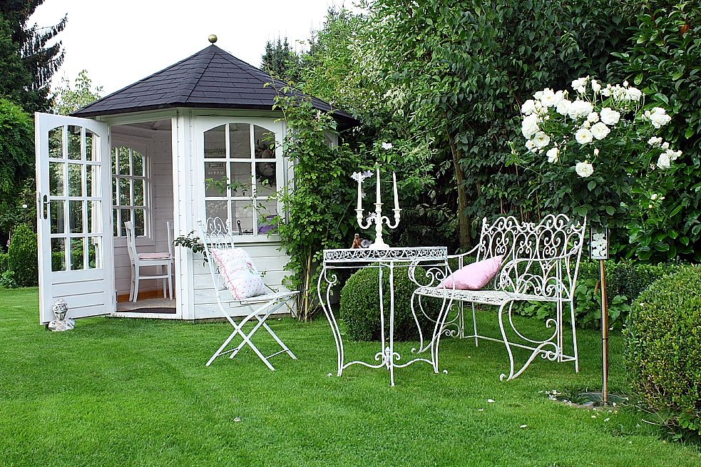 schneewitchen hat viele unwetter berstanden wohnen und garten foto a iyan pinterest. Black Bedroom Furniture Sets. Home Design Ideas