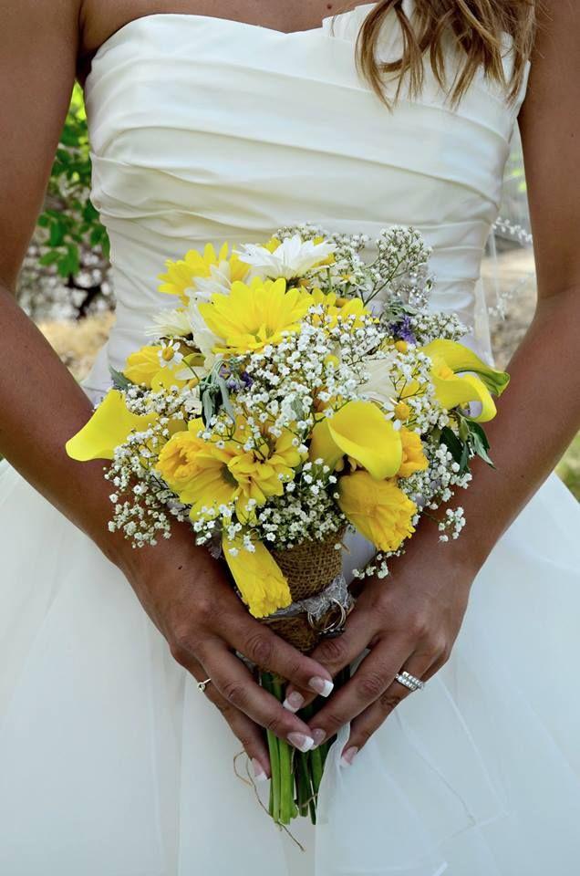 Yellow Bridal Bouquet Daffodils And Baby S Breathe Spring Wedding Photos By Nikolai Kolupaev Flo Daffodil Wedding Yellow Wedding Flowers Fall Wedding Flowers