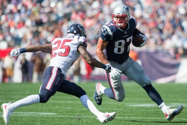 New England Patriots Tight End Rob Gronkowski Was Inactive For Thursday Night S Game At The Tampa Bay Buccanee Fantasy Football New England Patriots Gronkowski