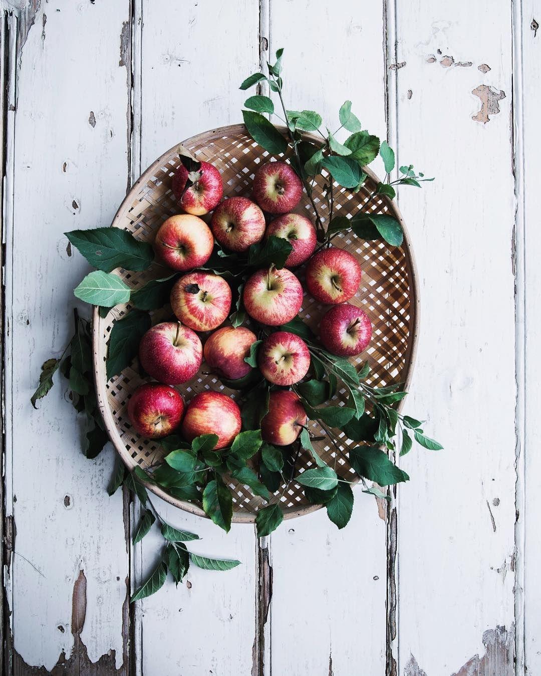 Apples/ @cookrepublic