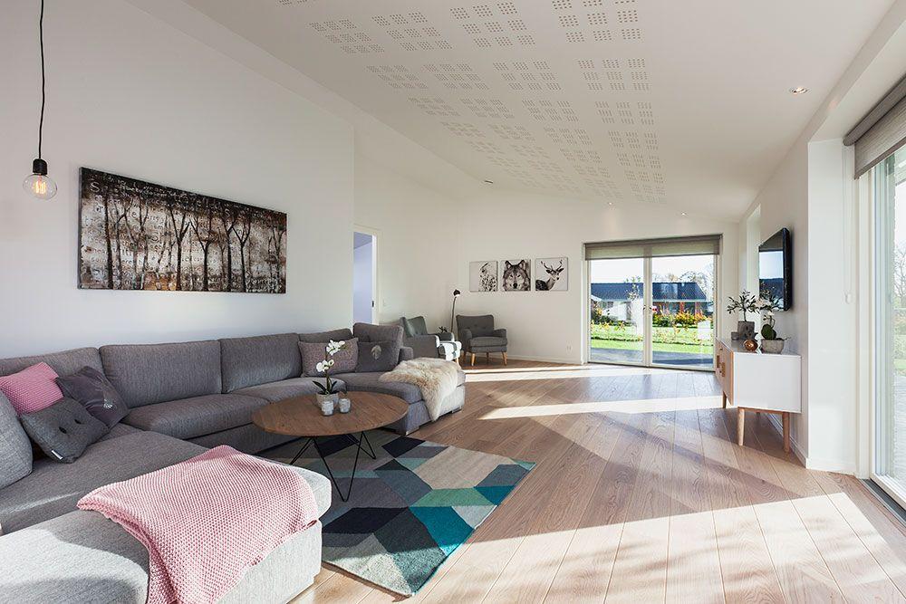 indretning af lille stue : Stor og lys stue i et af vores huse i udstillingsbyen i ...