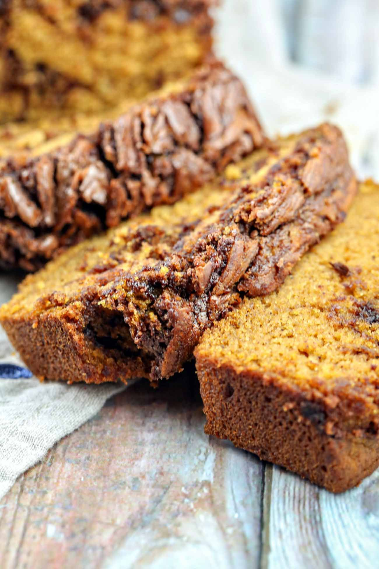 Perfectly spiced pumpkin bread with rich swirls of nutella ...