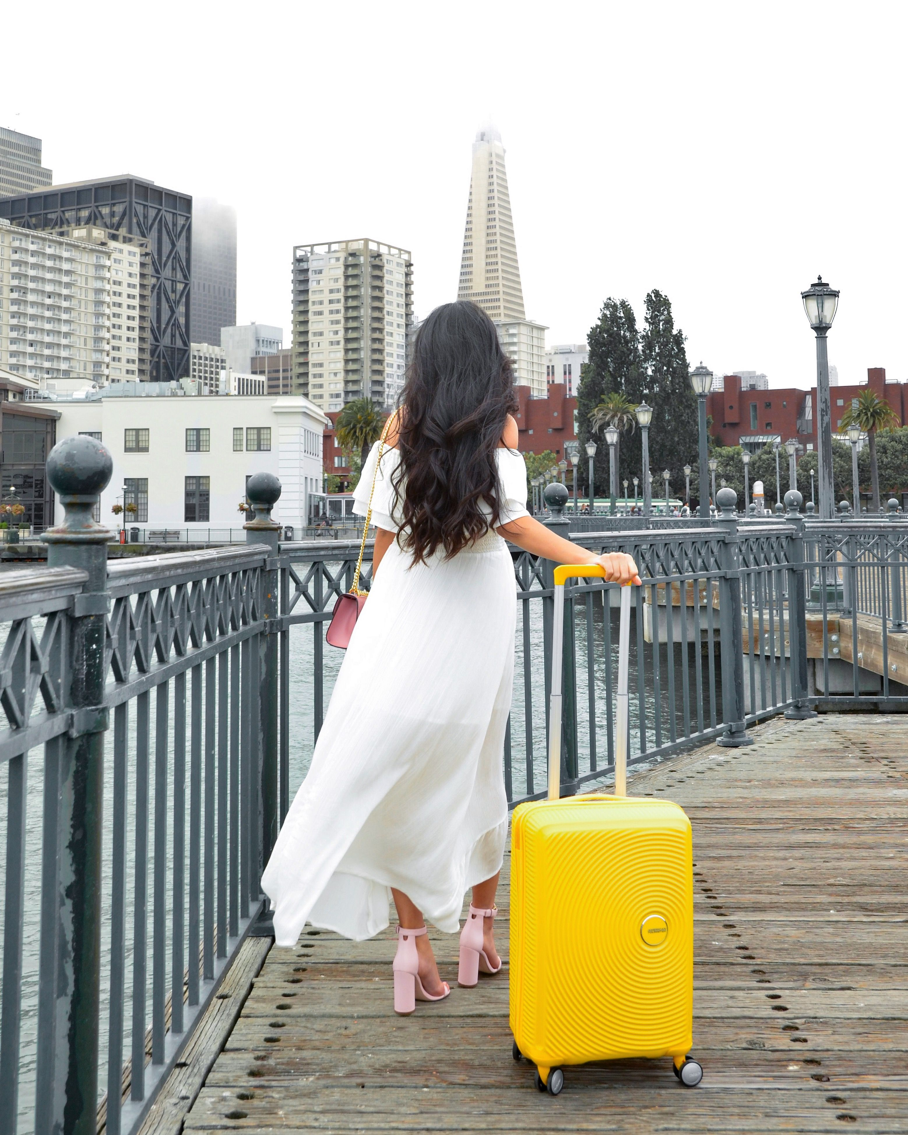 City chic fashion with a pop of color by rachelvogttrends