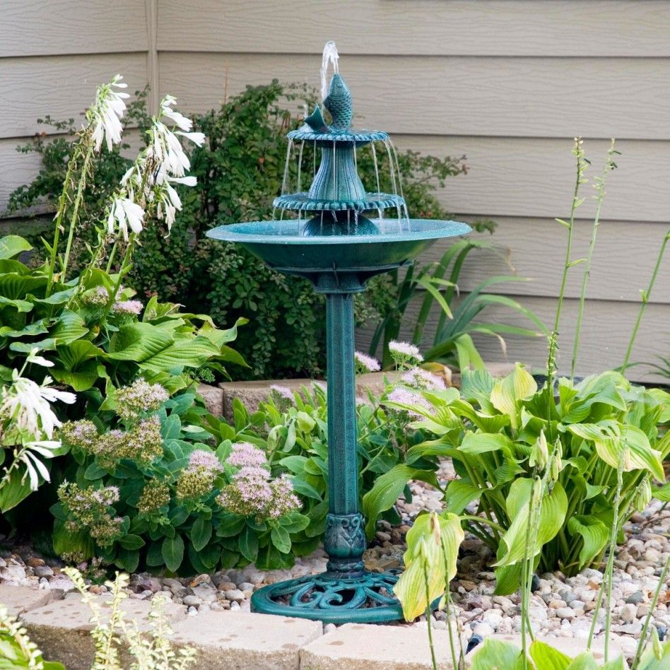 Garden Decor: Captivating Small Garden Decoration With Three Level ...