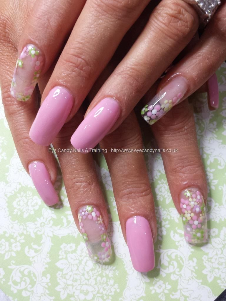 Pink polish with clear tips and dotty daisy flower nail art | Nueva ...