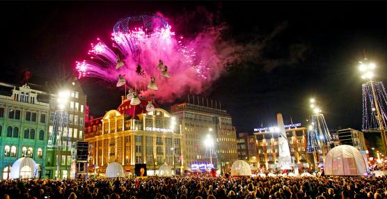 turn on the lights bijenkorf. The Christmas event of Amsterdam.