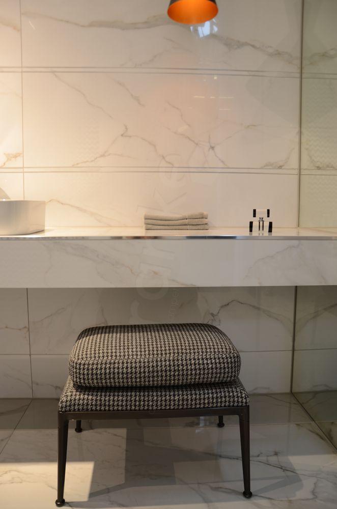 Klassisch in #Marmoroptik präsentiert #Villeroy und #Boch ihre - badezimmermöbel villeroy und boch