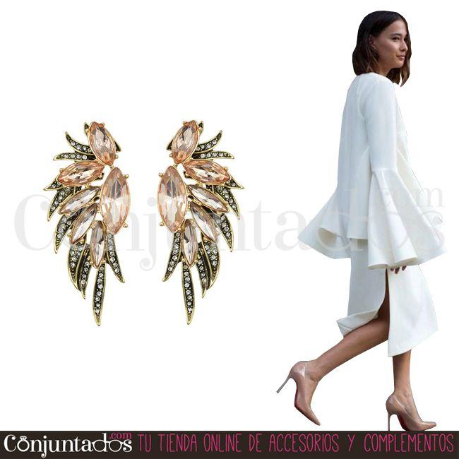 Los pendientes Gabriela son un complemento de fiesta fabuloso, ¿verdad? ★ 13,95 € en https://www.conjuntados.com/es/pendientes-gabriela-de-cristales-rosas-y-strass.html ★ #novedades #pendientes #earrings #conjuntados #conjuntada #joyitas #lowcost #jewelry #bisutería #bijoux #accesorios #complementos #moda #eventos #bodas #wedding #party #invitadaperfecta #fashion #fashionadicct #picoftheday #outfit #estilo #style #GustosParaTodas #ParaTodosLosGustos