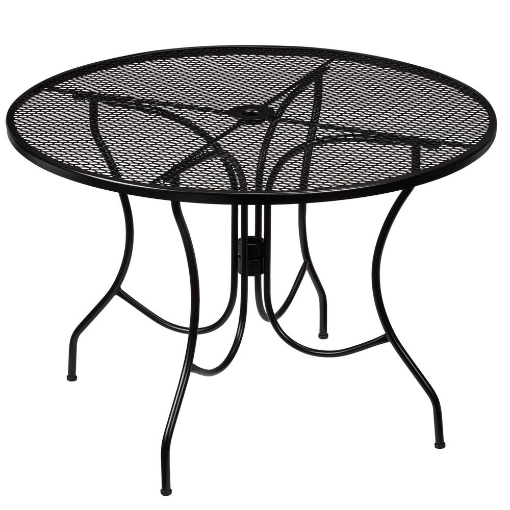 round patio table