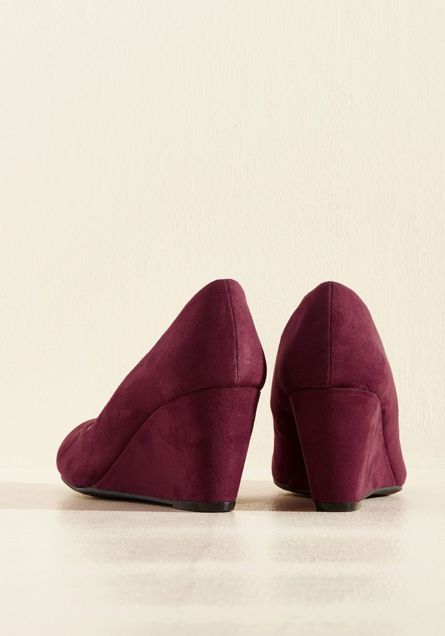 Find Your Feat Wedge In Wine Don These Burgundy Wedges With Just About
