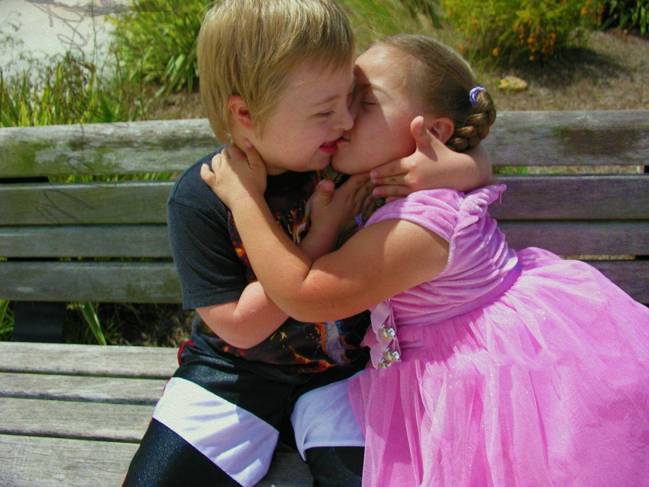 Hd wallpaper kiss - Wallpaper Mwah Pretty Little Kisses