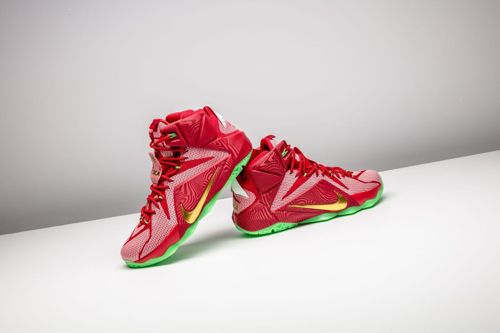 new product 2aee6 e05dc Nike Lebrons Mix Pack