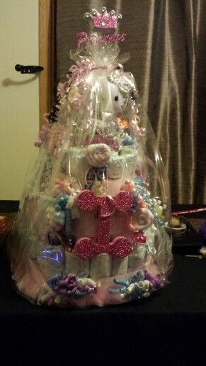 Diaper cake my mom made for my baby shower! Love it! @Angie Demir Godina