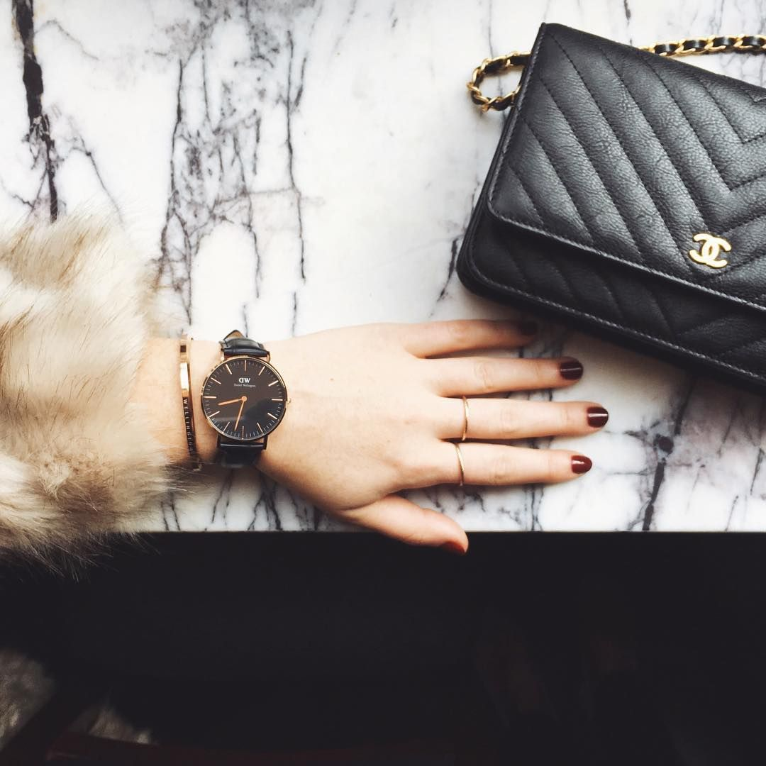 bbc66d6bdd48ab Daniel Wellington Classic Black Watch + Chanel black chevron WOC ...