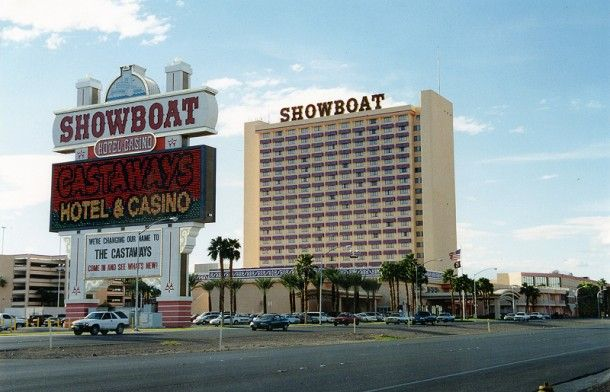 On This Date January 29 2004 Castaways Showboat Hotel Closes In Las Vegas Las Vegas Hotels Las Vegas Photos