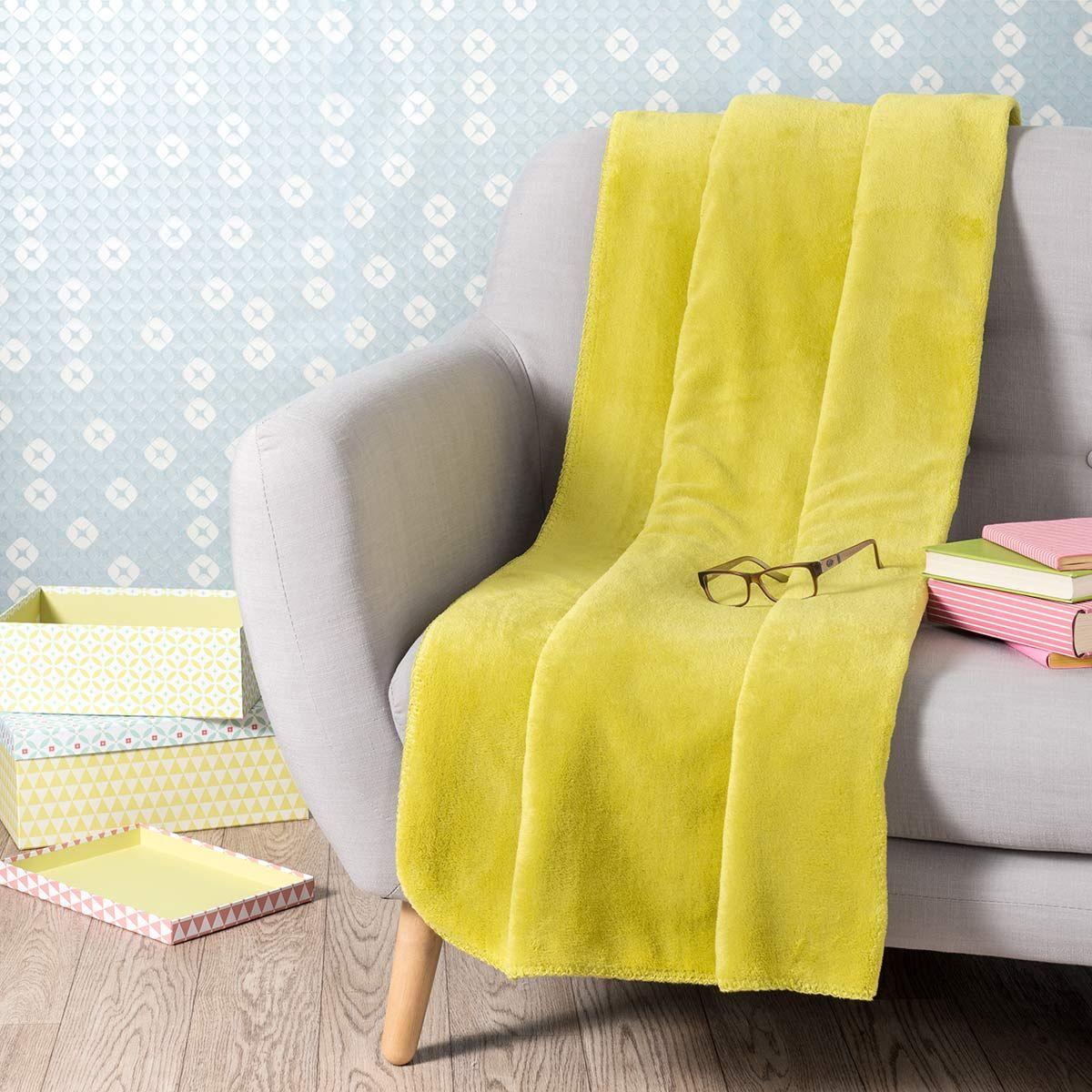 20 maisons du monde plaid en tissu jaune moutarde 150 x 230 cm chaleur pour aur lien. Black Bedroom Furniture Sets. Home Design Ideas