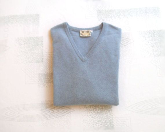 Vintage Men's British CASHMERE Sweater Medium by NikNakNook ...