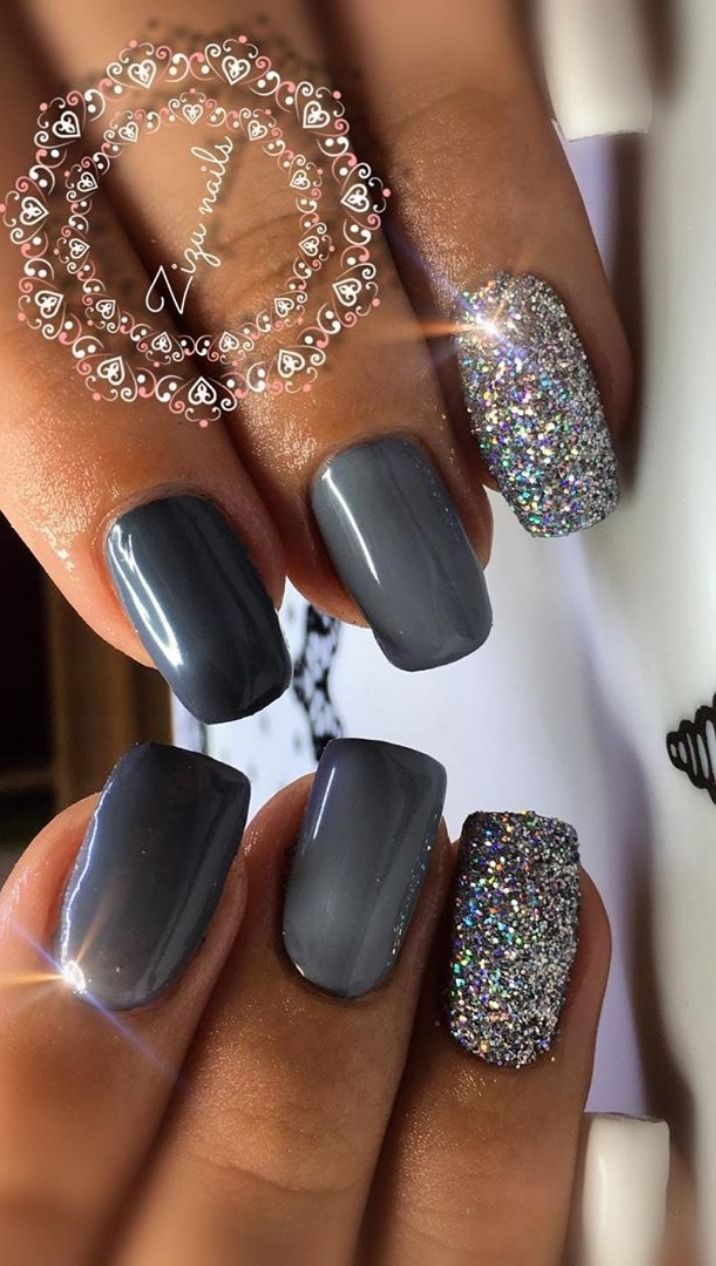 Cute Short Grey Nails With Glitter Design Gray Nails Shiny Nails Designs Gray Nails Nail Designs