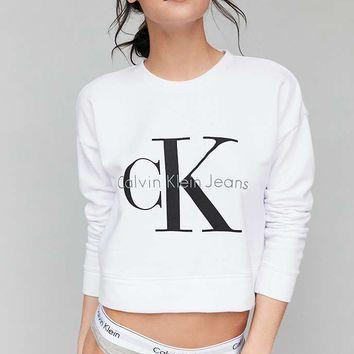 Calvin Klein Cropped Pullover Sweatshirt Urban Outfitters Calvin Klein Kleidung Crop Pullover Outfit Ideen