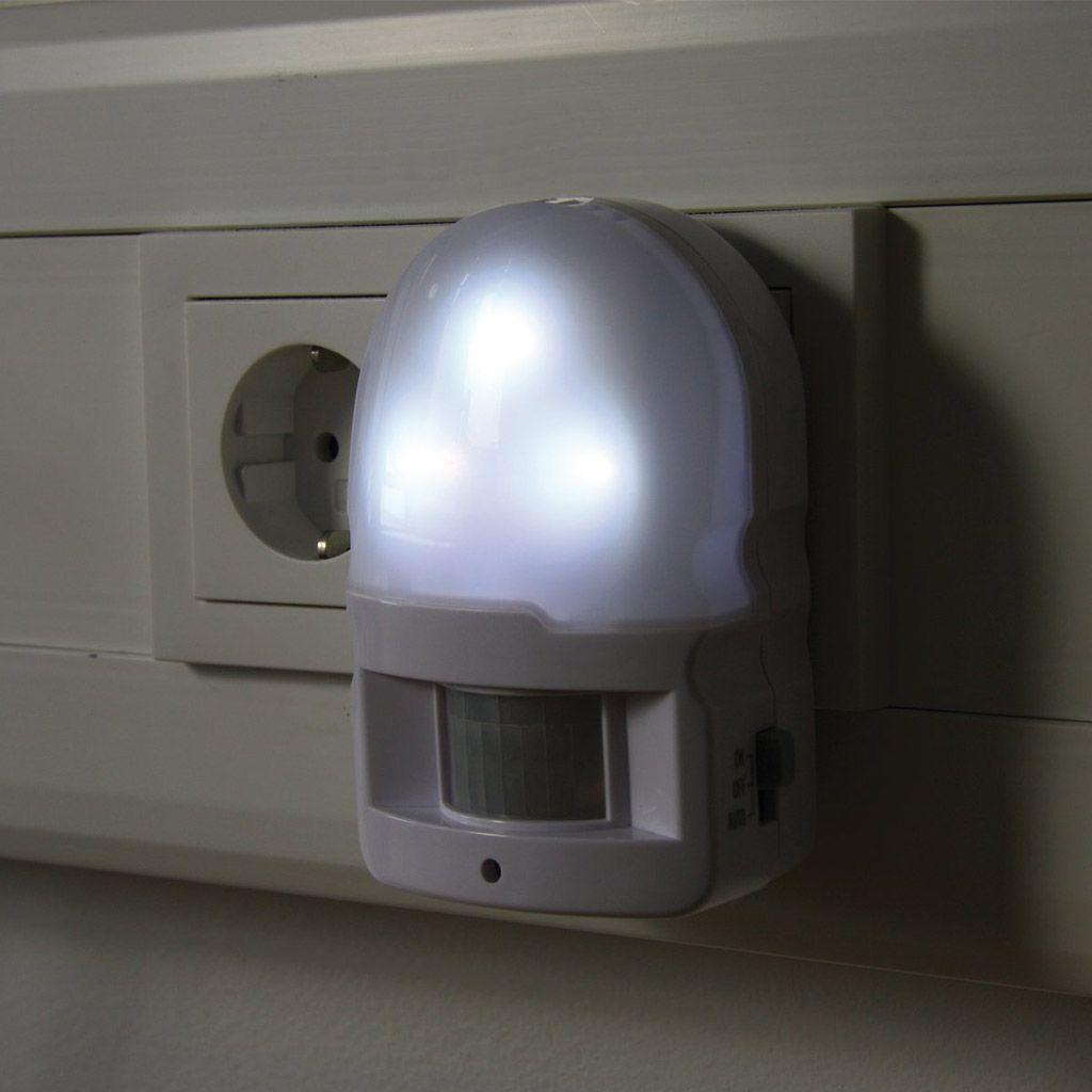 Heitronic Led Bewegungsmelder Fur Die Steckdose Led Bewegungsmelder Led Lampen Und Leuchten