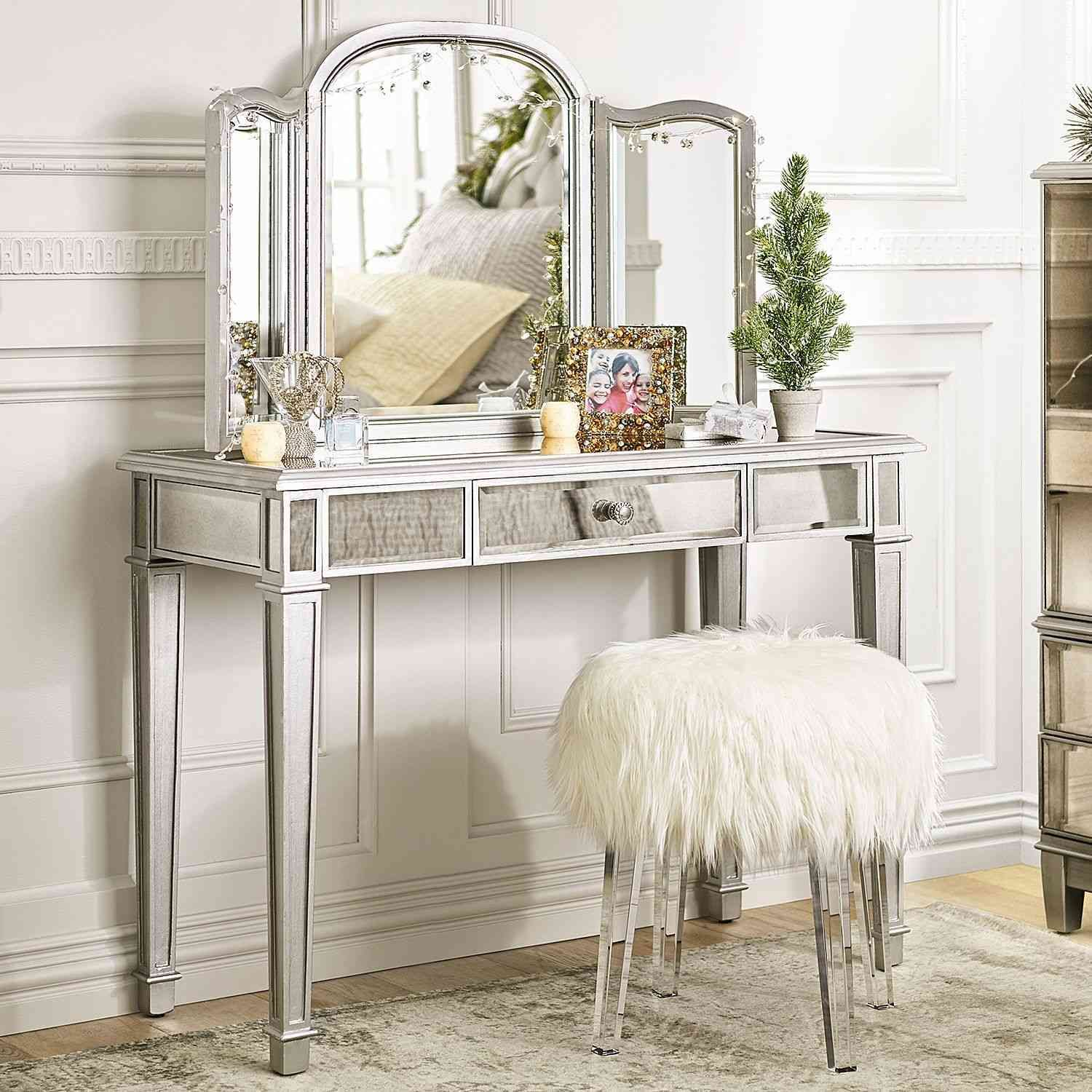 14 Luxury Dressing Table With Some Extra Mirrors Rooms To Go
