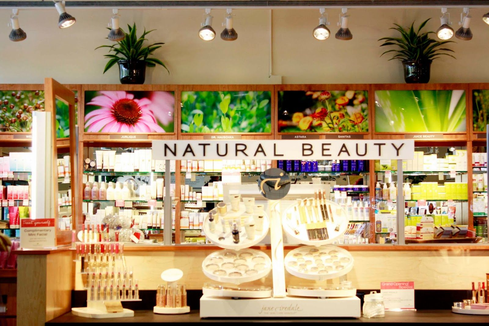From dailydisguise.com: I'm not sure why this hasn't become mainstream yet, but a pharmacy that includes a beauty bar offering full service beauty and spa treatments using eco-friendly, salon-quality products? Sign me right up!     For the lucky readers that are located in the Bay Area, Pharmaca Integrative Pharmacy has opened two brand new Natural Beauty Bars in their Menlo Park and Oakland locations.