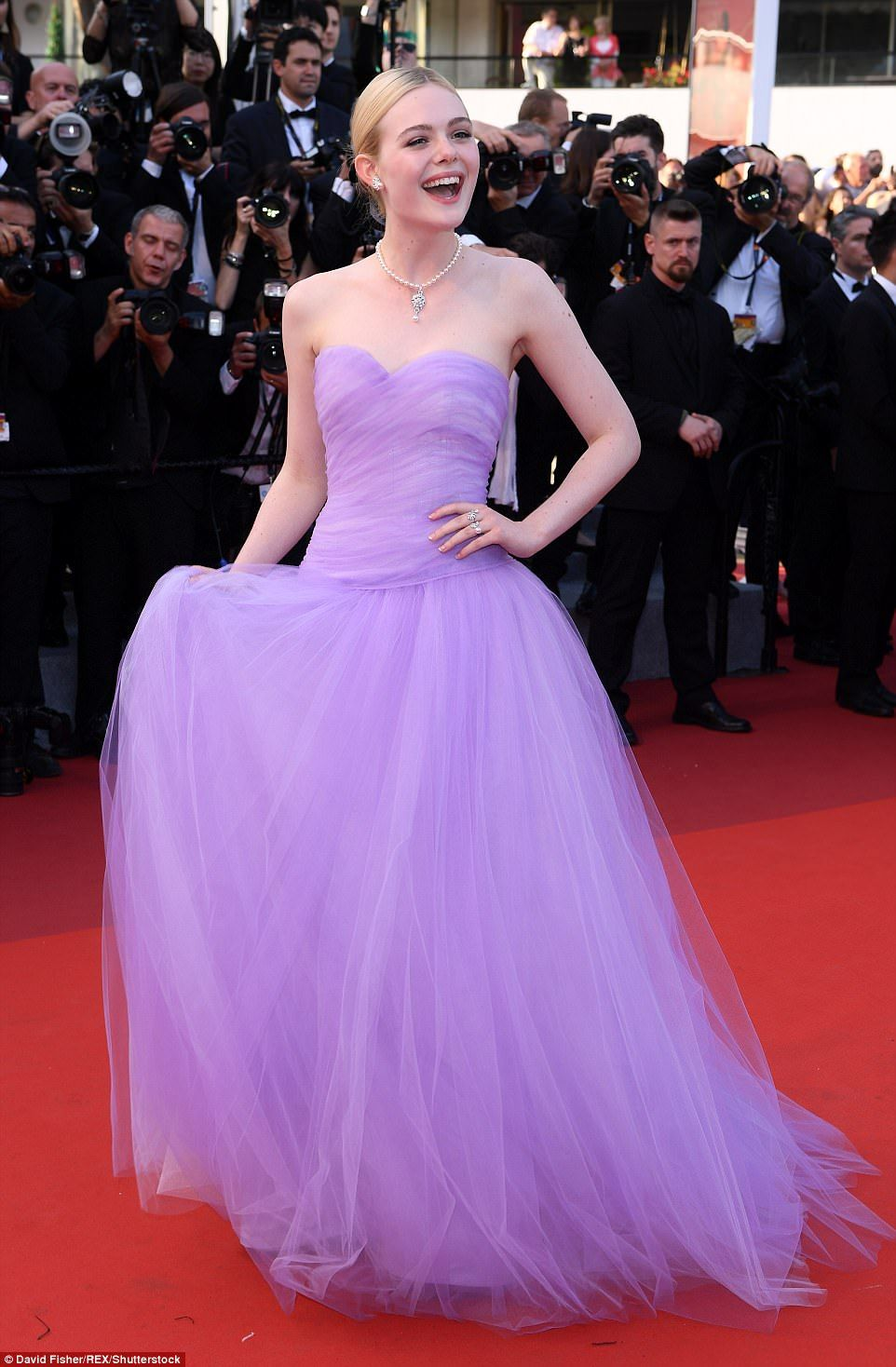 Kirsten Dunst and Elle Fanning wear matching gowns in Cannes ...
