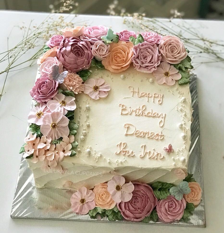 A Imagem Pode Conter Comida Birthday Cake For Women Simple Flower Cake Birthday Cakes For Women