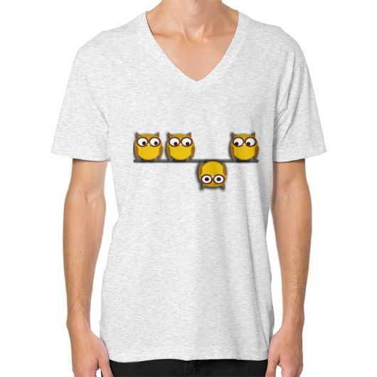 A whole new perspective for the owl V-Neck (on man)