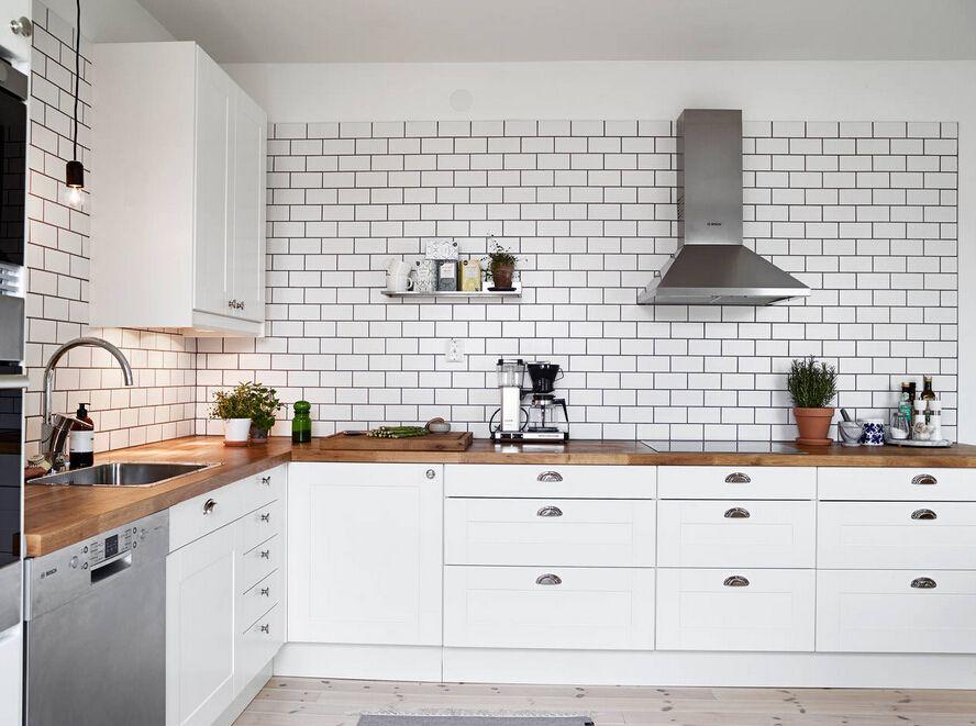 Cream Tile Grout Color Black Grout Cream Tiles For Kitchen Or Bathroom Walls Kitchen Tiles Design White Kitchen Tiles White Subway Tile Kitchen
