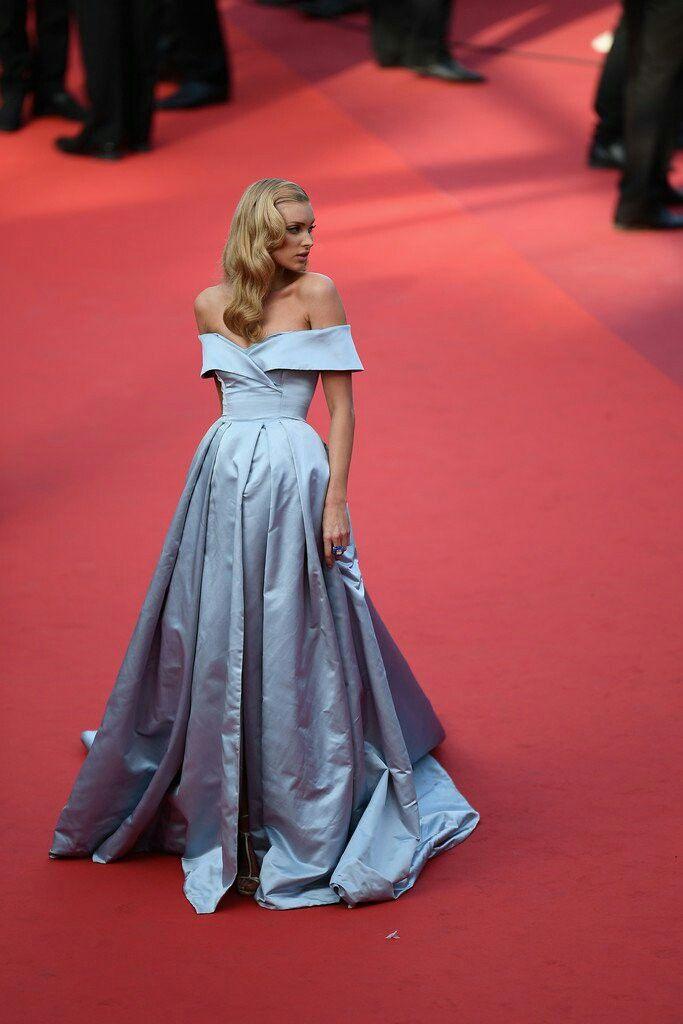 Elsa Hosk   Fancy dresses, Dresses, Red carpet dresses