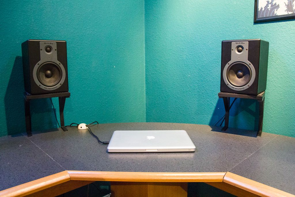 Space Saving Studio Monitors Speakers Stands Monitor Stand
