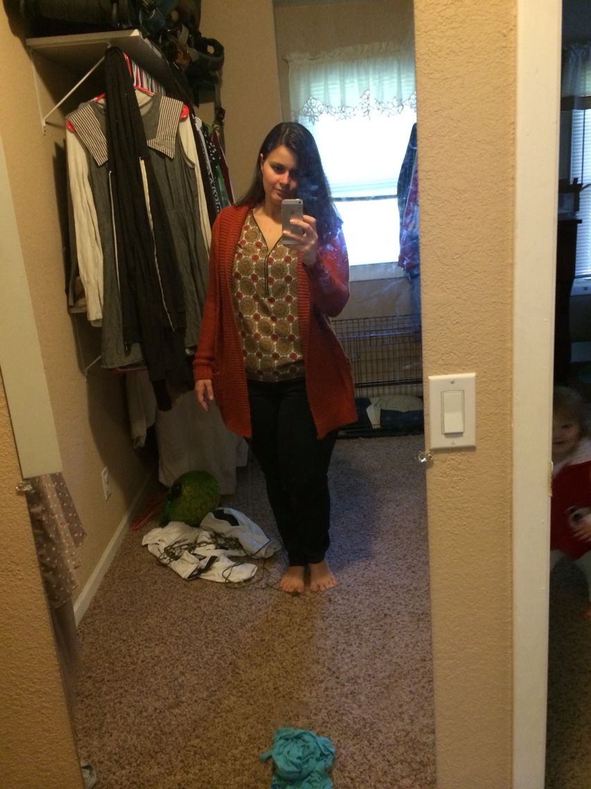 Rocking my top and jeans from my latest stitchfix. Excuse the messy mirror and closet!